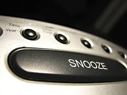 alarm clock with snooze button
